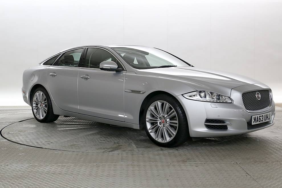 Superb Jaguar XJ   Cargiant Amazing Ideas