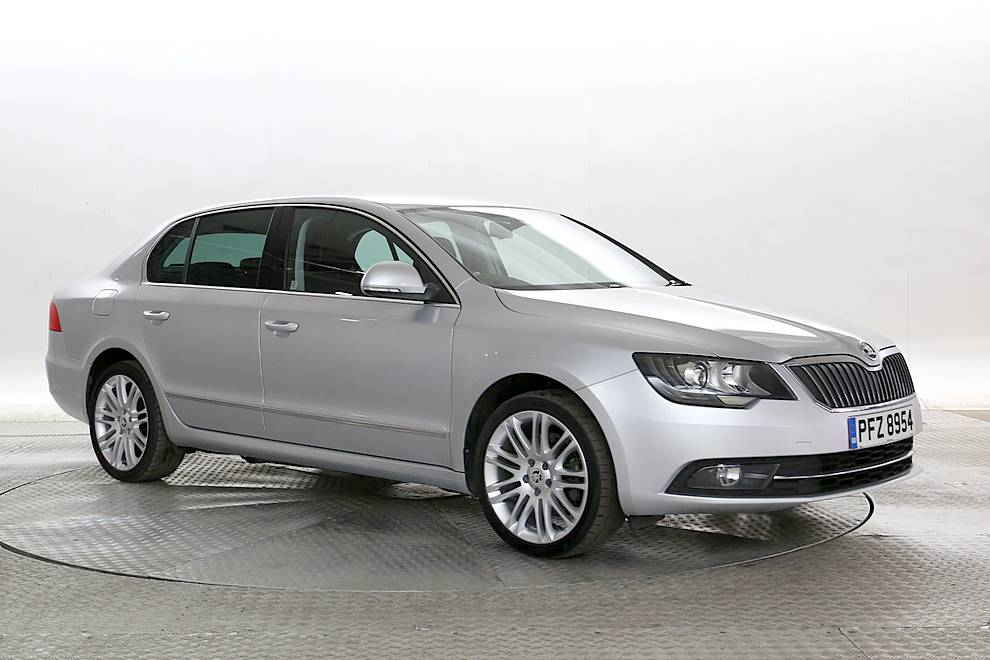 Skoda Superb - Cargiant