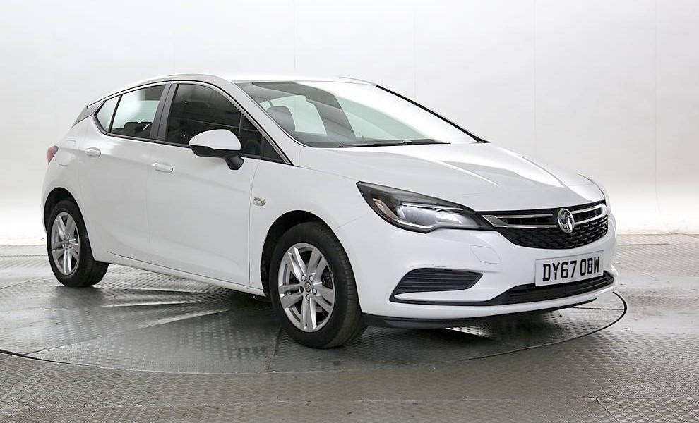 Vauxhall Astra - Cargiant